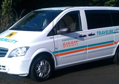 8 seater Mercedes Travelbillity Car