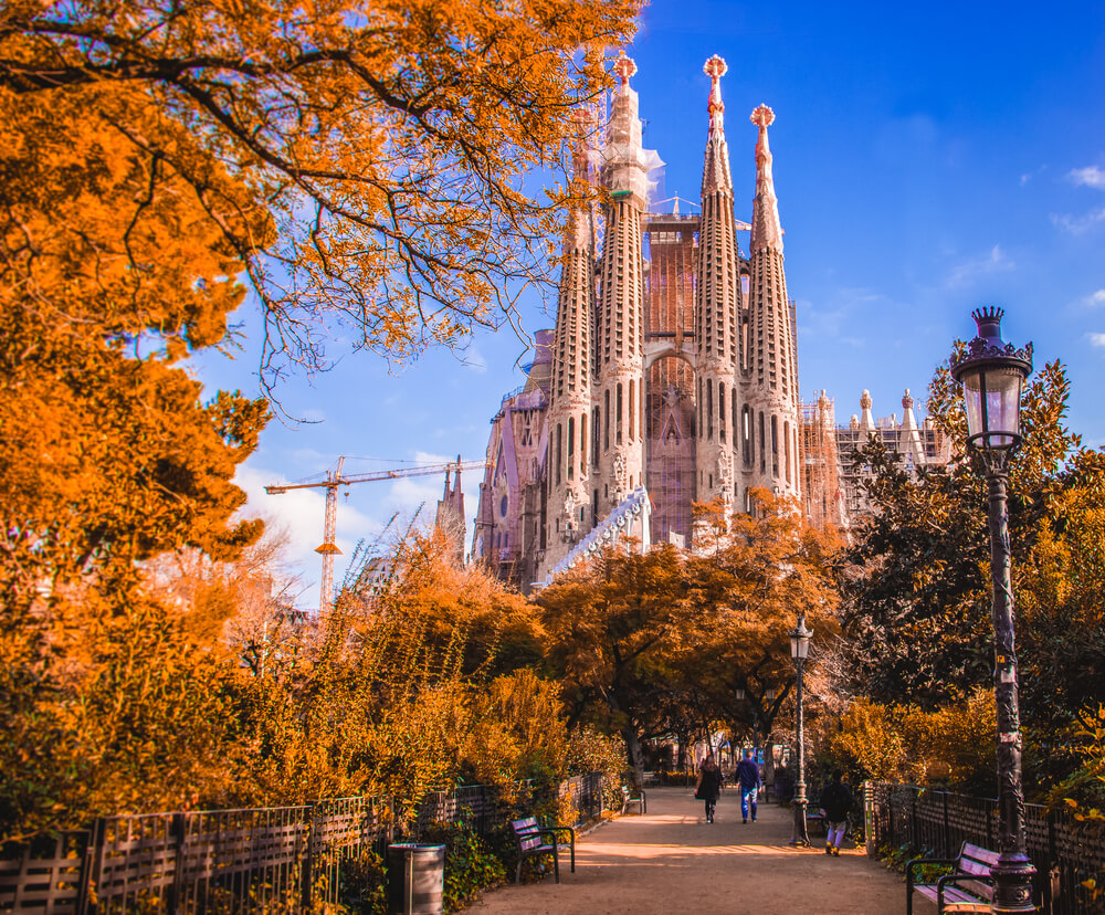 Travel to Barcelona in Autumn