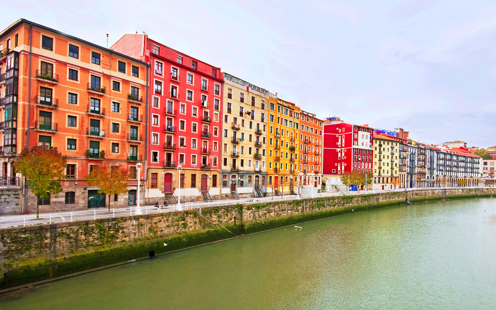 Travel to Bilbao in Autumn