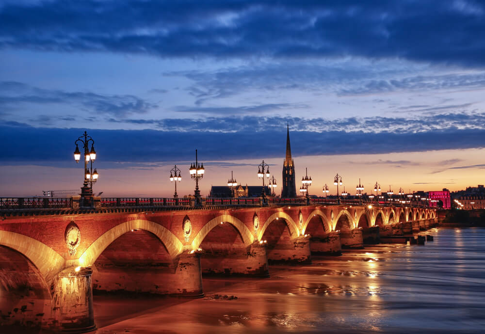 Travel to Bordeaux in Autumn