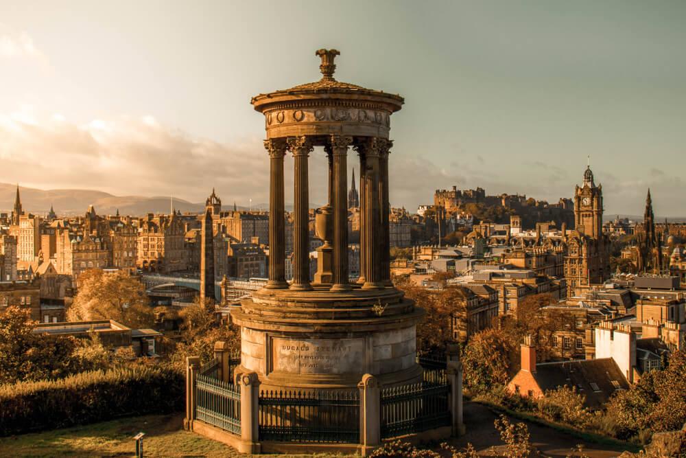 Travel to Edinburgh in Autumn
